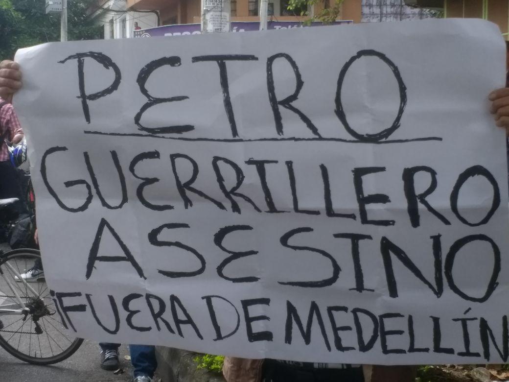Rechiflas a Petro