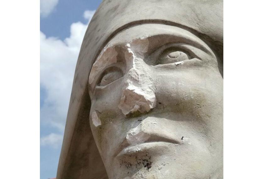 Estatuas en TIbasosa