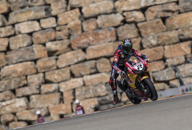 Leon Camier se fracturó tres costillas en carrera de Superbikes ...