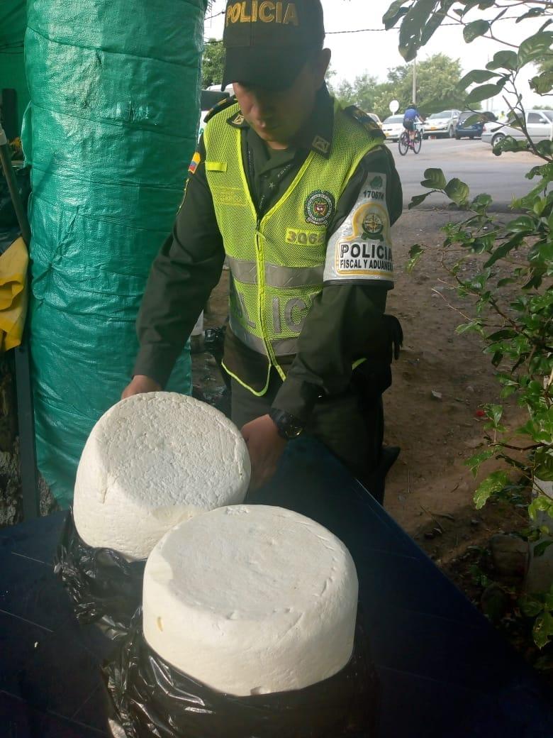 El queso costeño de contrabando tiene en alerta a la región caribe del país.