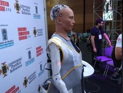 Robot Sophia estuvo en Medellín.