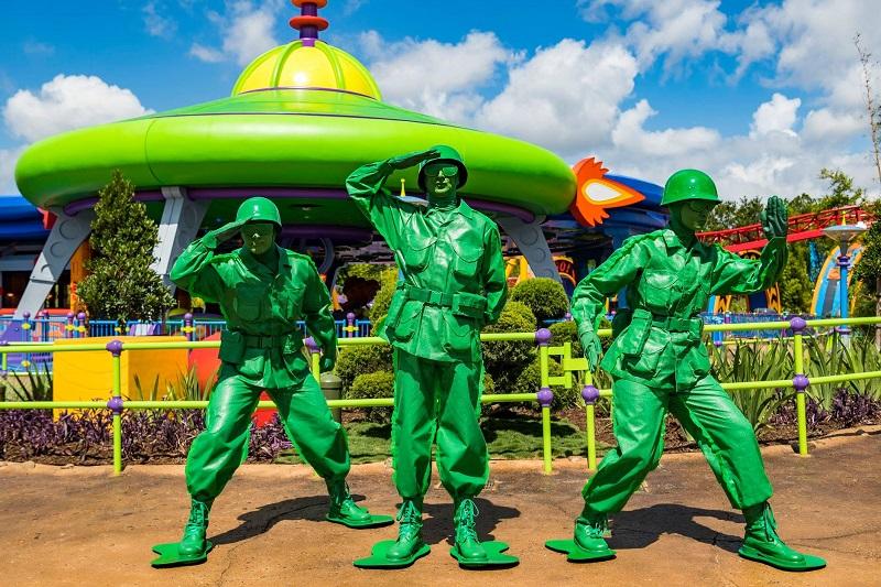Disney abre su nueva atracción tempatica Toy Story Land