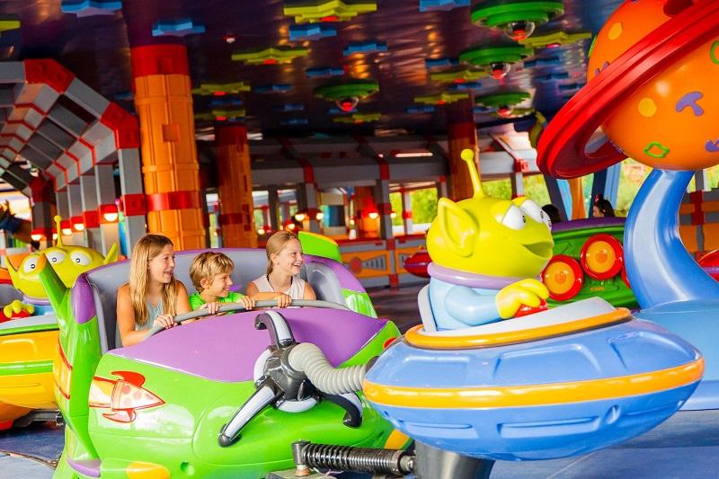 Disney abre su nueva atracción temática Toy Story Land