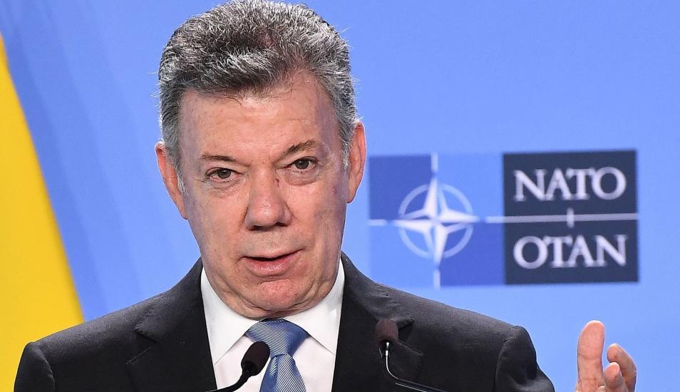 Santos en la OTAN