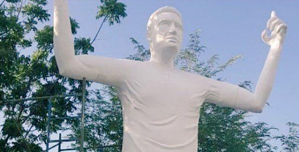 Estatua de Falcao se convierte en espantoso homenaje