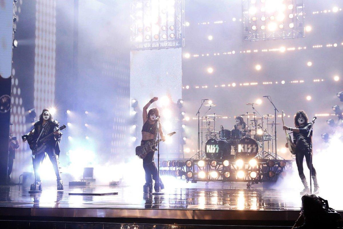 KISS tocando en el programa Americas Got Talent