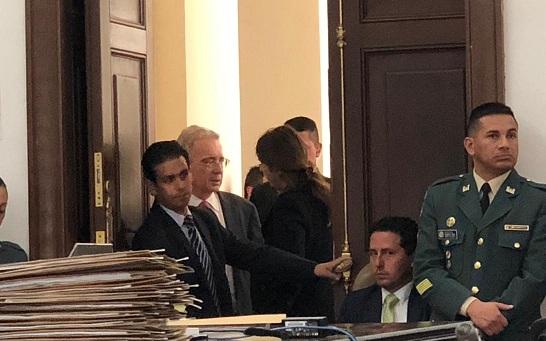 Álvaro Uribe defiende su reforma para modificar la JEP
