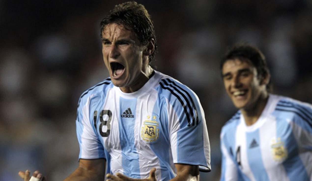 Gonzalo Bergessio jugando con la Selección Argentina