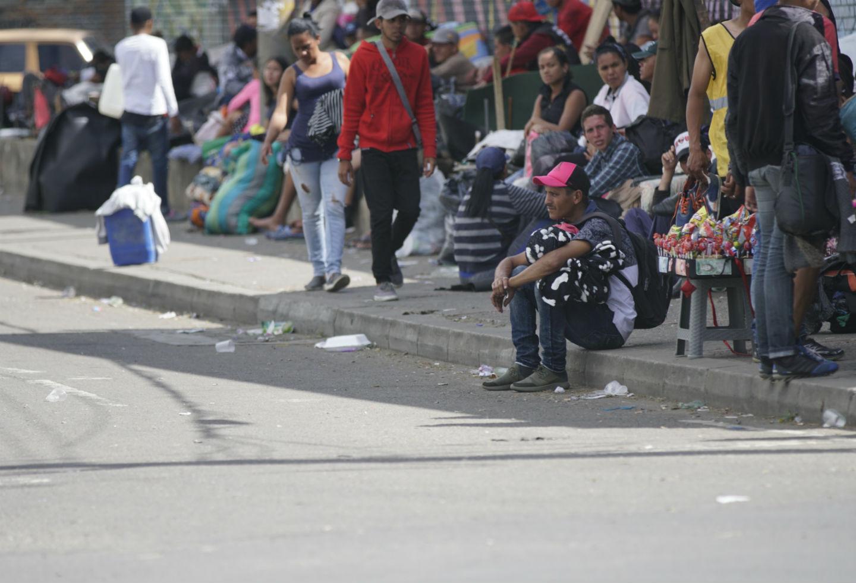 Salud, educación y empleo son solo algunas de las dificultades de los venezolanos que deambulan en Colombia.