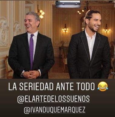 Maluma no desaprovechó el momento para bromear junto al mandatario.