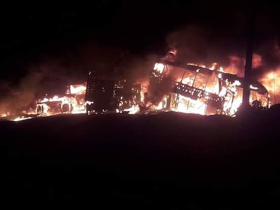Fuerte incendio tras grave accidente en La Loma Cesar