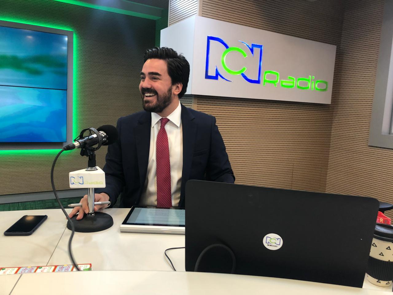 El representante Gabriel Santos