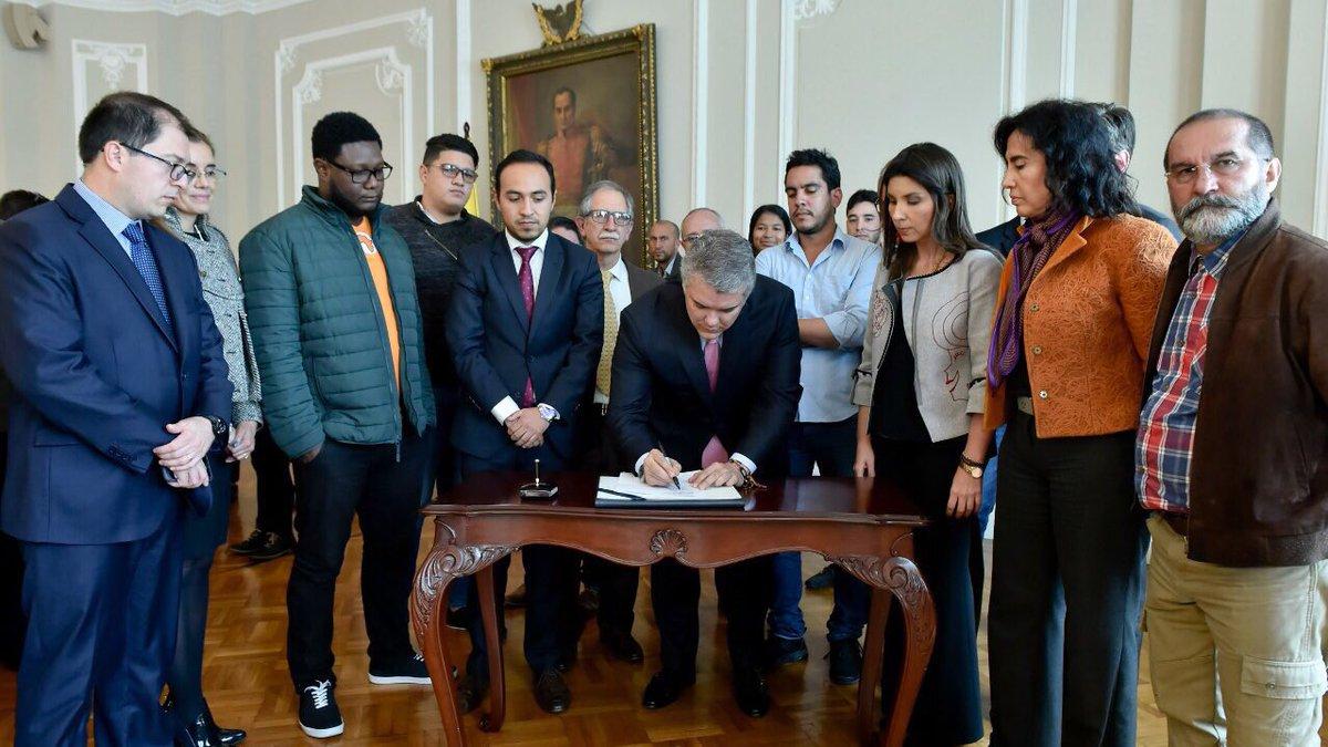 Acuerdo entre el Gobierno y estudiantes universitarios