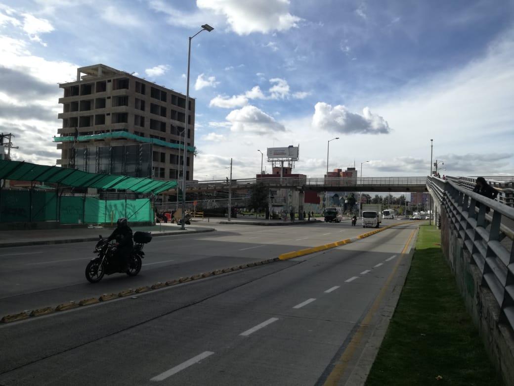 Puente peatonal estación Centro Memoria.