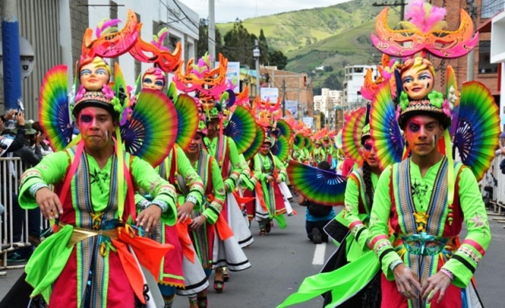 Vistoso vestuarios y hermosa coreografías transitarán por la senda del Carnaval.