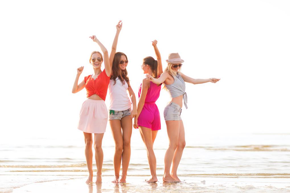Un grupo de amigas disfrutando de sus vacaciones