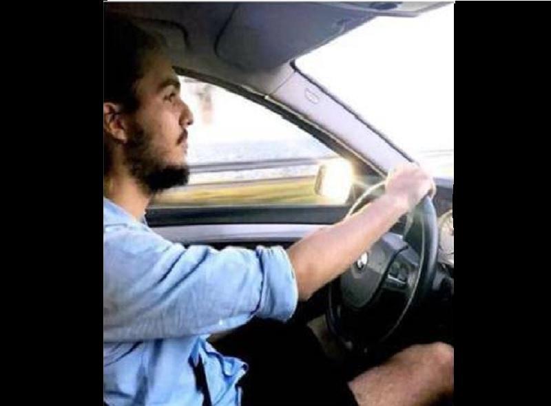 Tony Castro conduciendo un BMW
