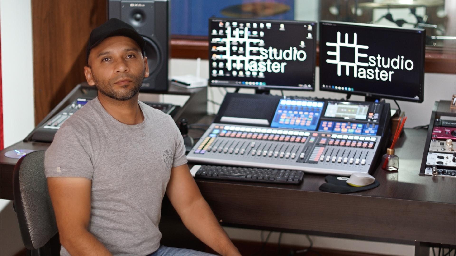 Ariel Ferrín, licenciado en música de la Universidad de Nariño