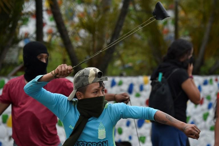 Protesta de indígenas en Cauca, en la vía Panamericana