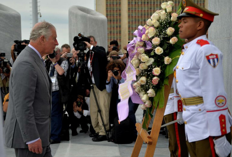 Príncipe Carlos visita por primera vez Cuba