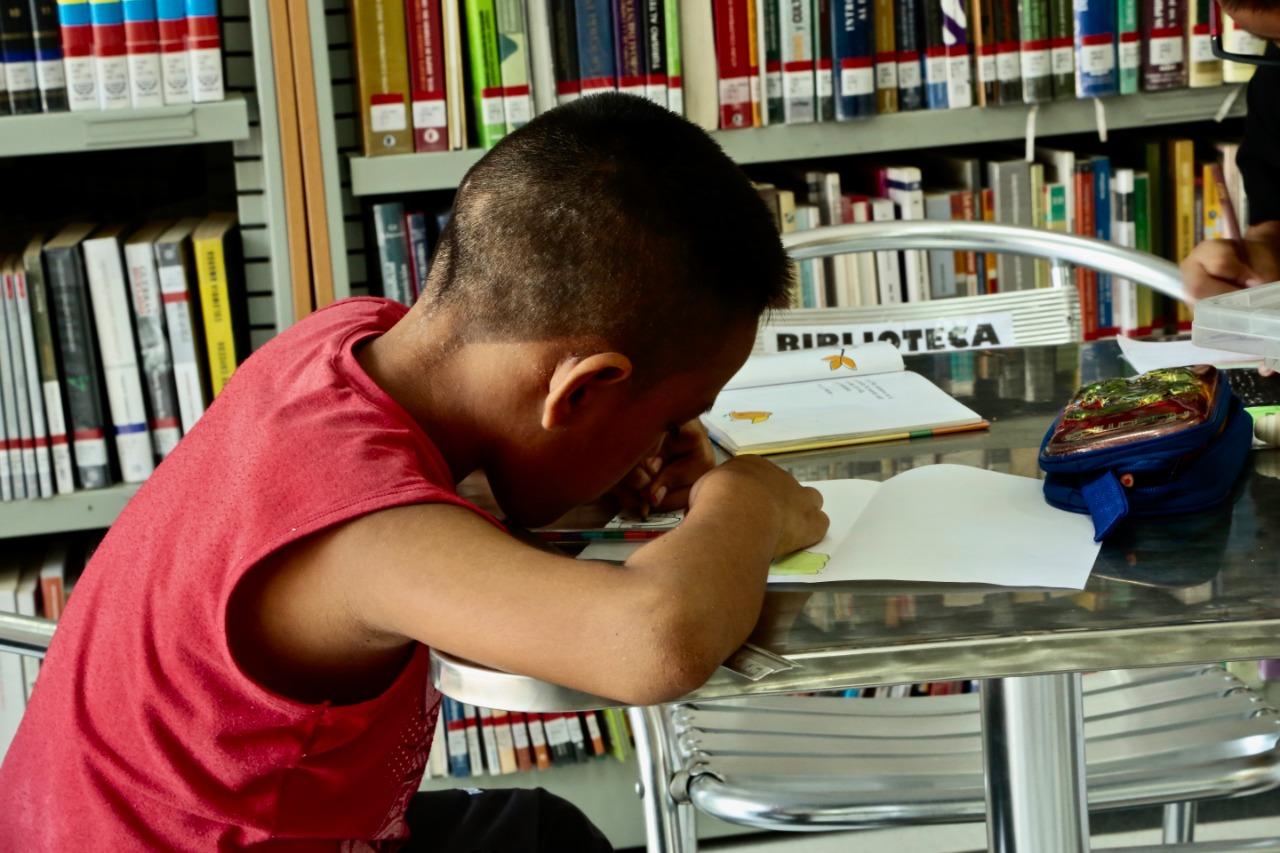 Biblioteca en el Amazonas colombiano