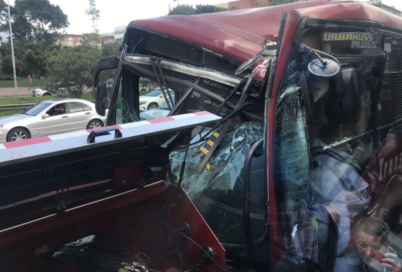 Accidente de Transmilenio en la Avenida Pepe Sierra, en Bogotá