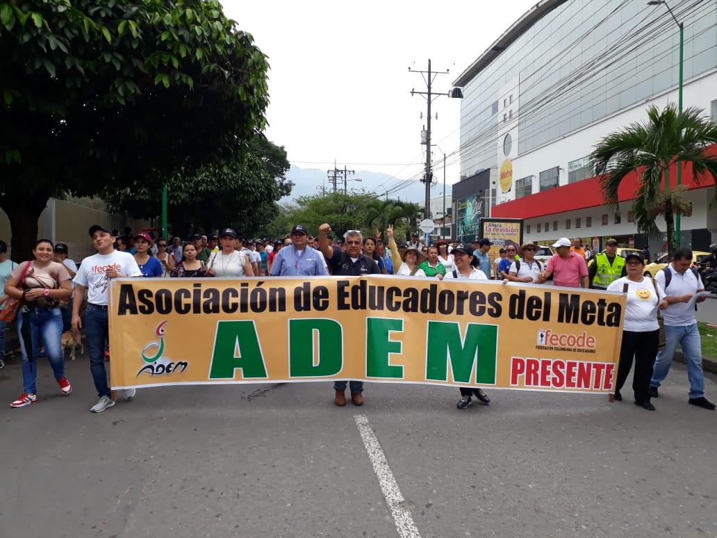 Profesores protestaron en Villavicencio.