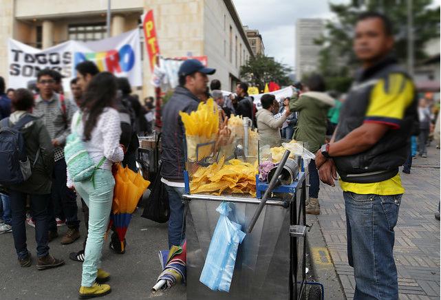 Restringidas las ventas informales en espacios públicos en Bogotá | RCN Radio