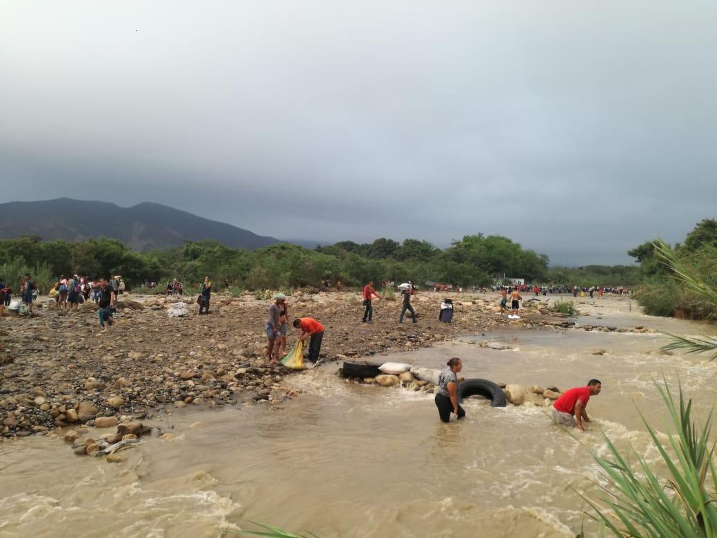 Migración Colombia alerta del peligro de pasar por la trocha.