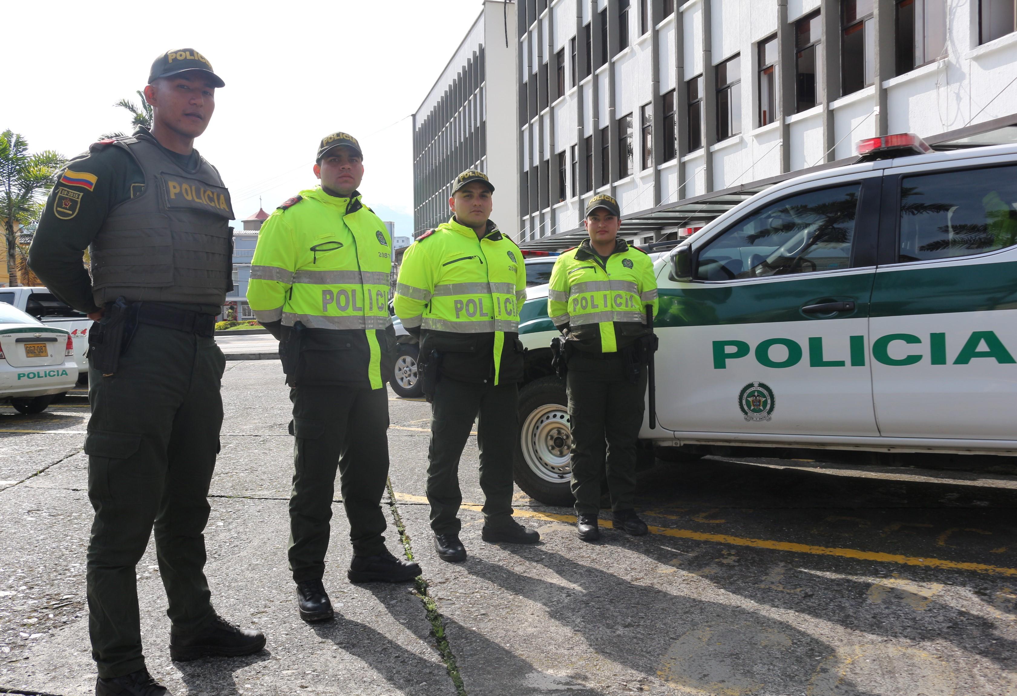 Los policías están adscritos al CAI del barrio Galán y del barrio La Leonora de Manizales.