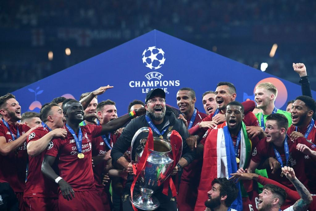 Jurgen Klopp levantando su primera UEFA Champions League