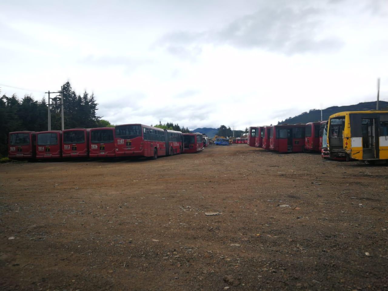 El bus M107 con 18 años de edad ya es un bus viejo a la espera de desaparecer