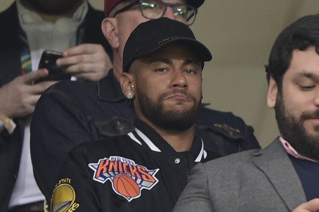 Neymar viendo un partido en la Copa América Brasil 2019