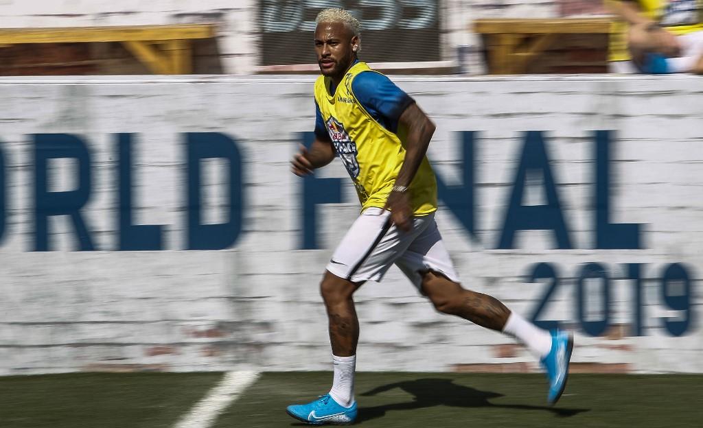 Neymar está en el grupo del PSG que viaja a China