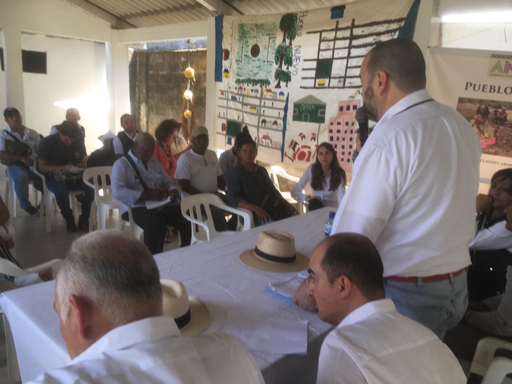 El defensor del Pueblo con las comunidades de San José de Uré