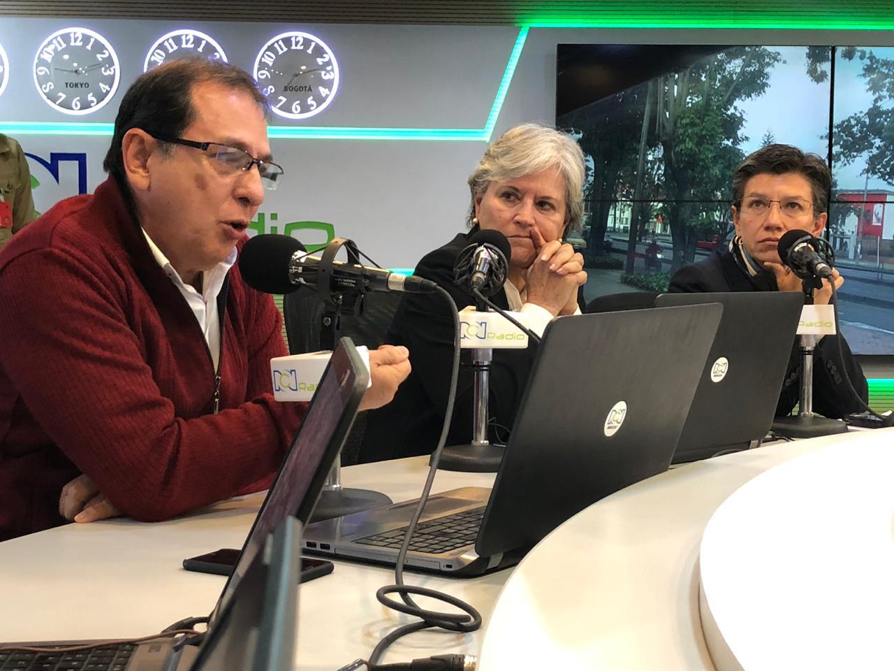 Jorge Rojas, María Elvira Samper (centro) y Claudia López