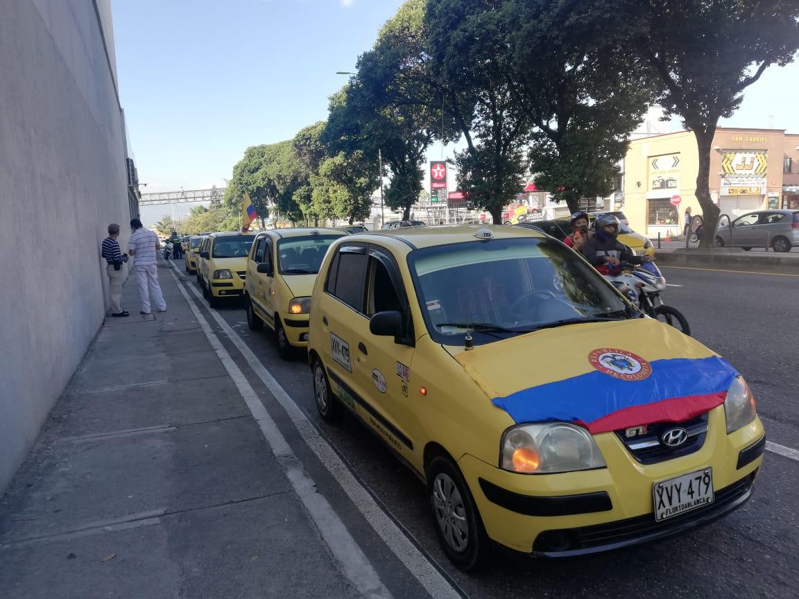 Taxistas protestan en Bucaramanga.