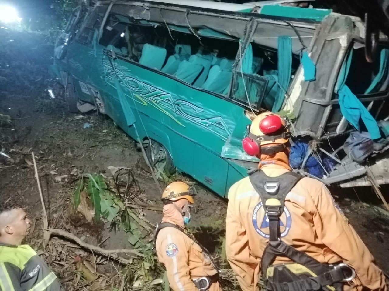 Resultado de imagen para accidente en la linea de los scout de colombia