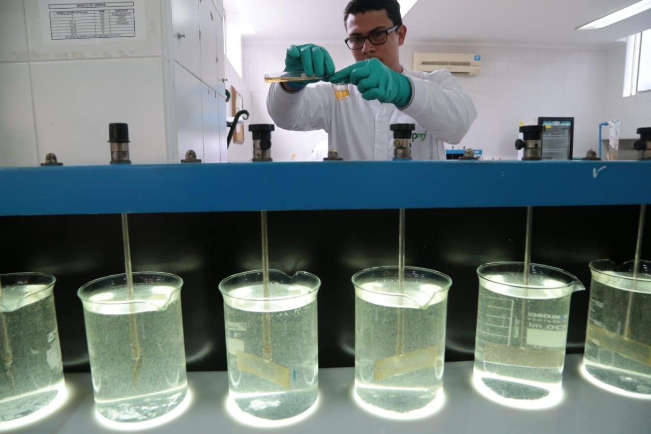Invima advierte irregularidades en estudios de dióxido de cloro | RCN Radio