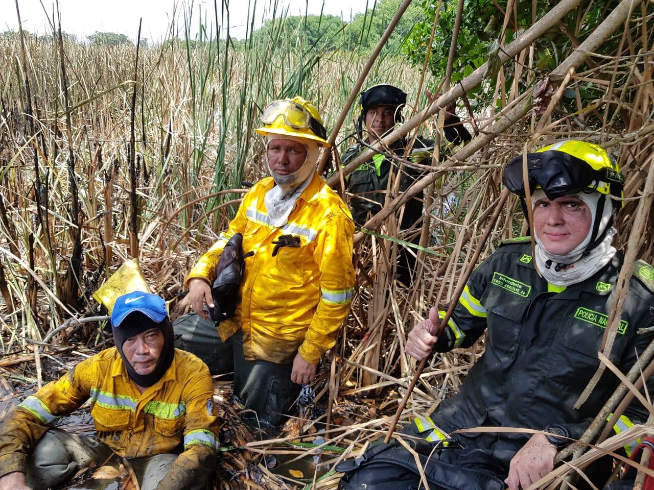 Autoridades intervienen incendio en Parque Isla de slamanca