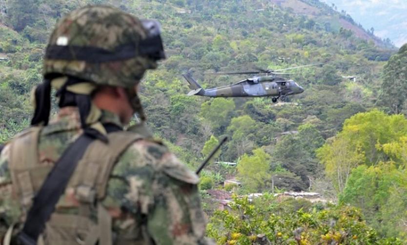 Dos personas muertas dejan combates en Cumbitara (Nariño) - RCN Radio