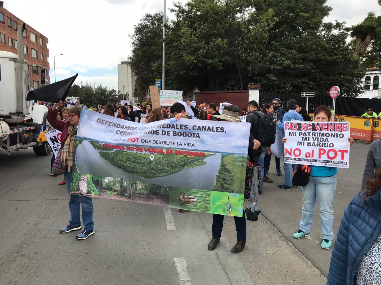 Manifestación contra expedición del POT por decreto