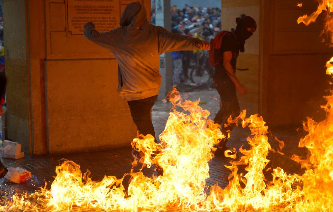 En disturbios terminaron las protestas del 21 de noviembre en Bogotá