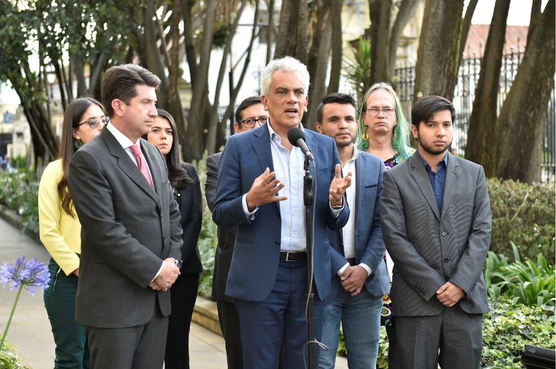 El ministro de Ambiente, Ricardo Lozano, participó en el diálogo social ambiental.