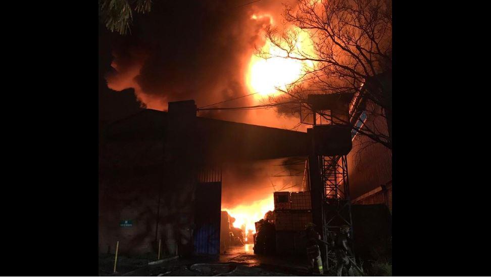 Incendio consumió bodega de la zona industrial de Yumbo (Valle del Cauca) - RCN Radio