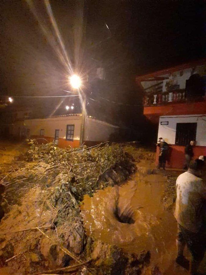 Grave emergencia en Jericó tras torrenciales lluvias - RCN Radio