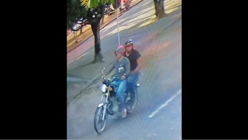 Imagen de las dos personas que habrían atentado en Tame (Arauca)