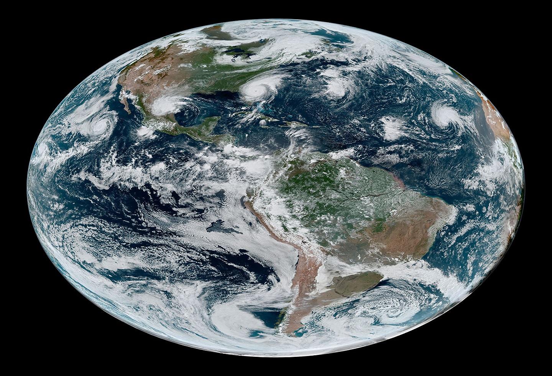 Cuatro ciclones tropicales desde el espacio