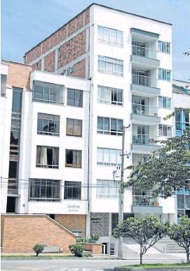 Vecinos del edificio aún reportan humedades y daños en sus apartamentos.