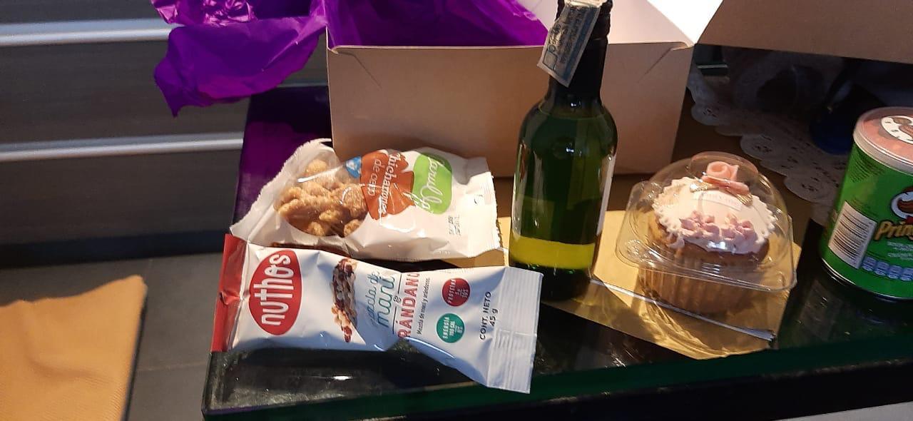 Alimentos que habrían comprado para celebrar cumpleaños de contralora (e) de Bogotá